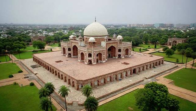I visited Homerun's tomb in India
